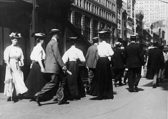 Edwardian Commuters In New York | The Gilded Age (1870-1910) | U.S. History