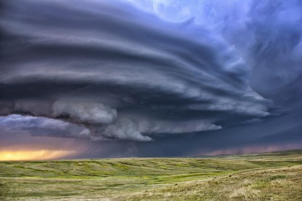 Anticyclonic supercell thunderstorm | Weather