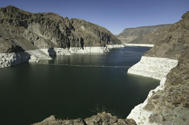 Western States Endure Fifth Year of Drought | Earth's Surface