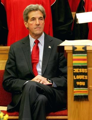 Kerry Campaigns In Ohio And Florida | U.S. Presidential Elections 2004