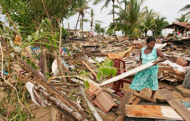 Clear Up Operation Continues In Sri Lanka | Natural Disasters: Hurricanes, Tsunamis, Earthquakes