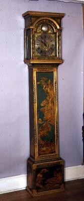 Grandfather clock, decorated with gilt chinoiserie, brass dial by Edward East