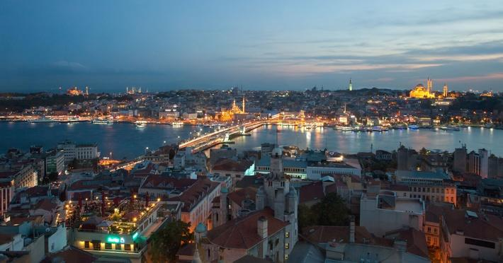 Istanbul at sunset | World Religions: Christianity