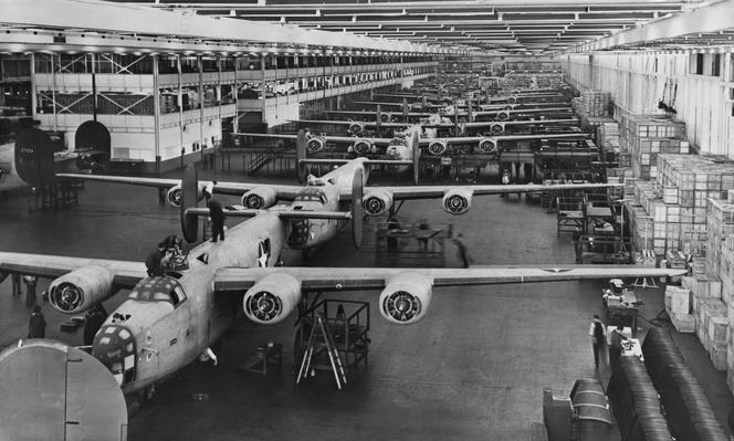 Building Bombers, c.1941 | World War II
