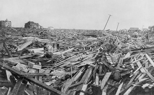 Hurricane Damage, Galveston, 1900 | Natural Disasters: Hurricanes, Tsunamis, Earthquakes