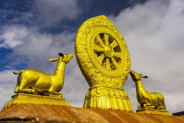 Jokhang Temple, Golden Wheel of Dharma and Deer sculpture | World Religions: Buddhism