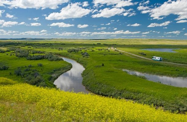 Frenchman River in West Block of Grasslands National Park | Earth's Surface