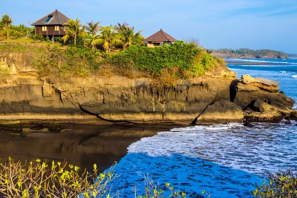 Houses on Tropical Coastline - Bali, Indonesia | Earth's Surface