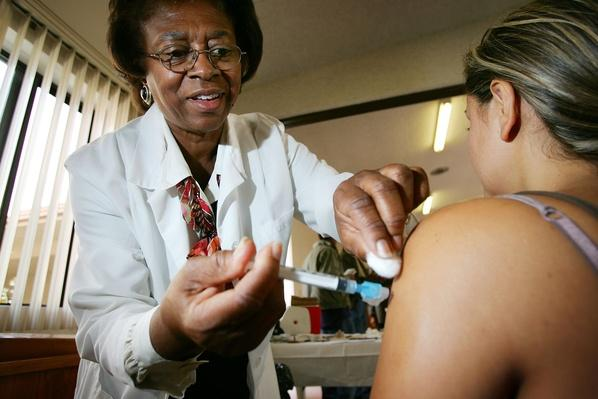 Los Angeles Begins Administering Flu Shots | Global Infectious Diseases