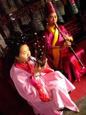 Chinese Musicians Perform on Traditional Instruments | Musical Instruments