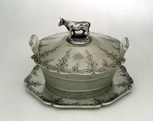 Butter dish with a frosted glass base