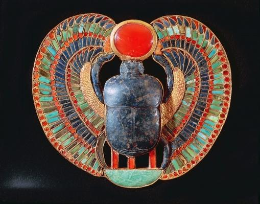 Scarab pectoral, from the tomb of Tutankhamun, in the Valley of the Kings at Thebes, c.1361-52 BC, New Kingdom