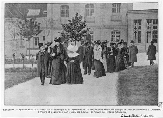 Queen Amelie of Portugal visiting the Ormesson Hospital for tuberculosis, illustration from 'Le Monde Illustre', 23rd May 1903