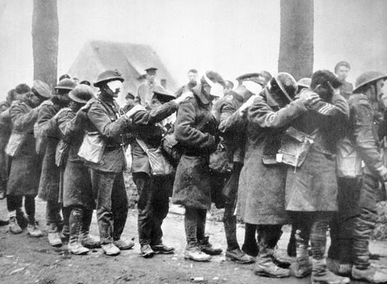 British troops blinded in German gas attack line up for treatment, 1914-18