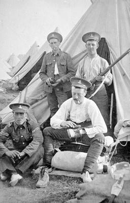 British soldiers in camp cleaning their kit, 1914