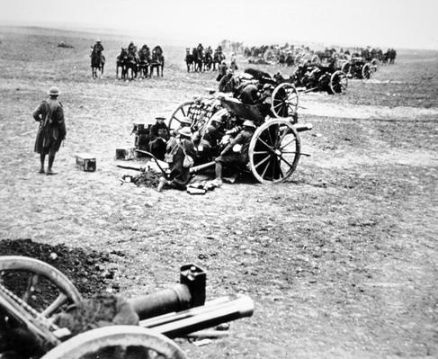 British 18-pounder field guns in action on the Western Front, 1914-18