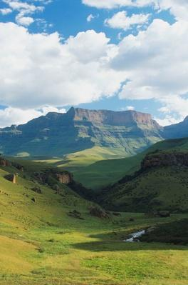 Bushman's River and Giant's Castle in the Drakensberg Range | Earth's Surface