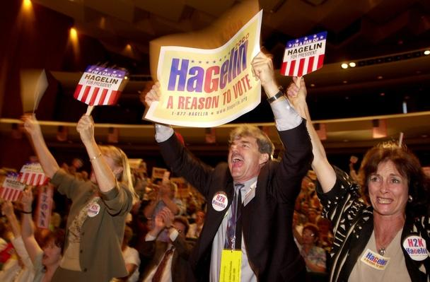 Feud Splits Reform Party National Convention Into Two Factions | U.S. Presidential Elections: 2000
