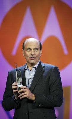 2007 Consumer Electronics Show Showcases Latest Tech Products | The Evolution of the Mobile Phone