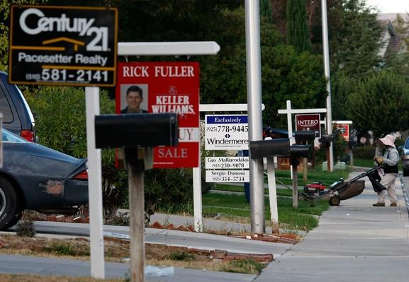 California Community Hit Hard By Foreclosure Epidemic | The Study of Economics