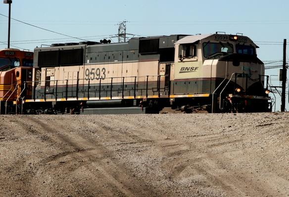 Burlington Northern Reports Higher Earnings | Evolution of the Railroad (Engine)