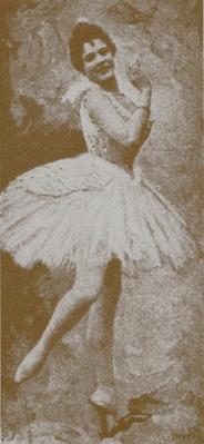 Pierina Legnani as Odette, in Marius Petipa and Lev Ivanov's revival of Swan Lake, St. Petersburg, 1895