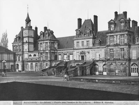 View of the Cour du Cheval Blanc with the horseshoe-shaped staircase, c.1900