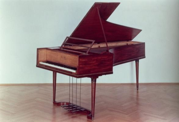 Harpsichord belonging to Ludwig van Beethoven, 1770-1827