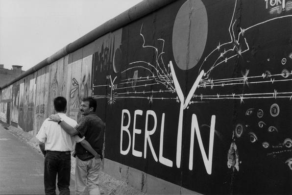 Berlin Wall | Berlin Wall | The 20th Century Since 1945: Postwar Politics