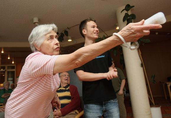 Nintendo WII For Seniors Championship | Social Gaming: From Arcades to Online