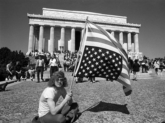 Anti-Vietnam war demonstrators gather around the Lincoln Memorial | Vietnam War