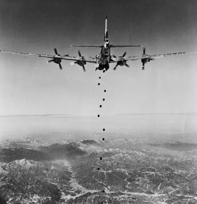 B-29 Superfortress dropping bombs during war, Korean War, North Korea, 1951 | The Evolution of Military Aviation