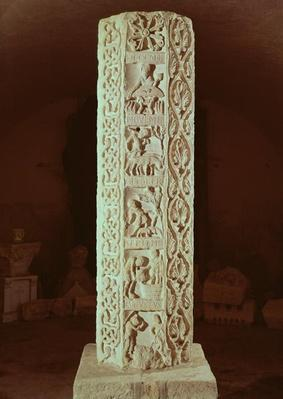 Pillar showing the months August to December, calendar of the season