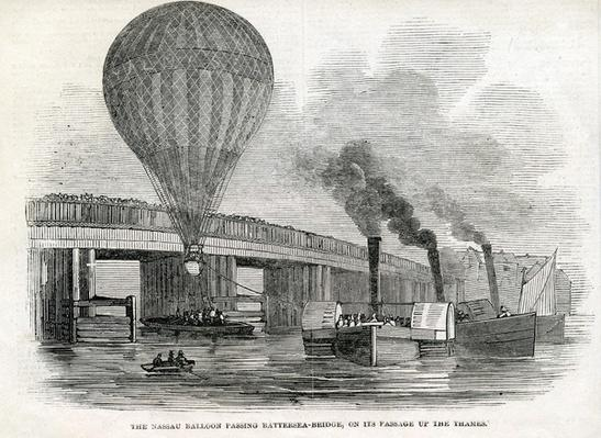 The Nassau balloon passing Battersea Bridge