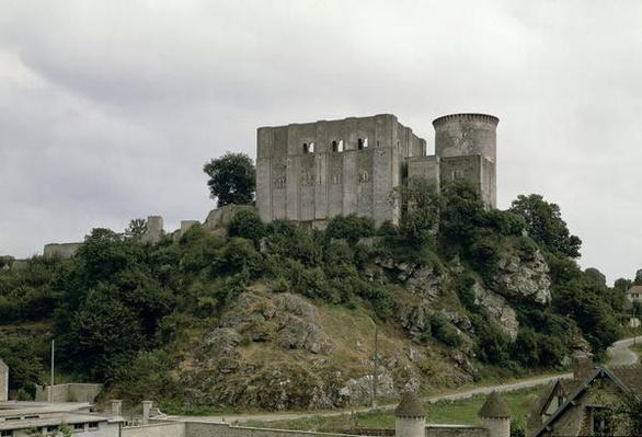 View of the Tour de Talbot and keep of the castle