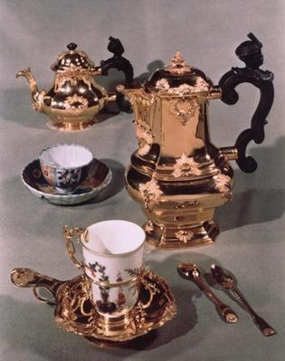 Teapot, sugar bowl, chocolate pot and mug, from a Meissen breakfast service made by Domanek, Vienna, 1750