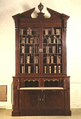 Chippendale broken-pedimented bookcase with gothic tracery, c.1760