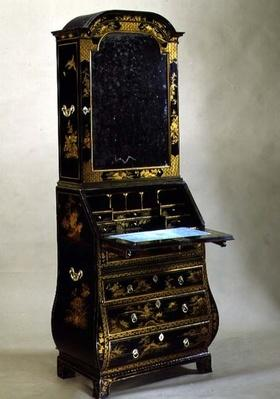 Japanned Queen Anne bureau bookcase with bombe sides, early 18th century