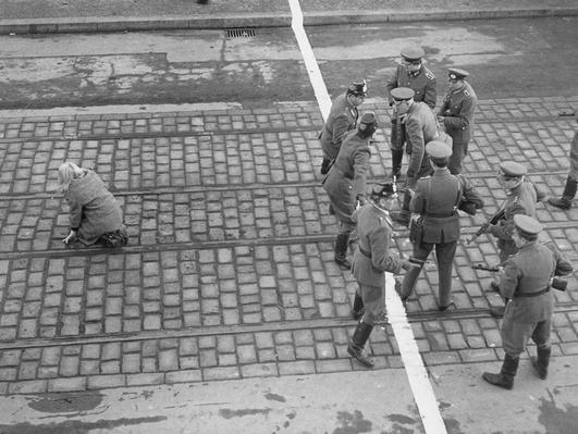 Berlin Border | Berlin Wall | The 20th Century Since 1945: Postwar Politics