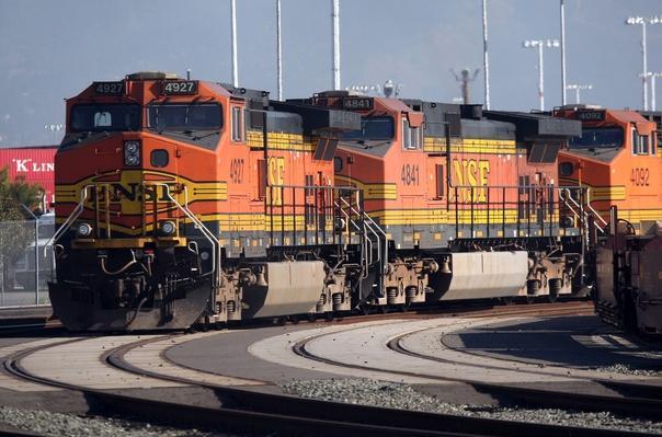 Warren Buffett's Berkshire Hathaway To Buy Burlington Northern Sante Fe | Evolution of the Railroad (Engine)