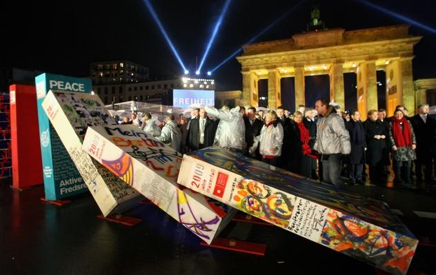 Germany Celebrates 20 Years Fall of the Berlin Wall | Berlin Wall | The 20th Century Since 1945: Postwar Politics