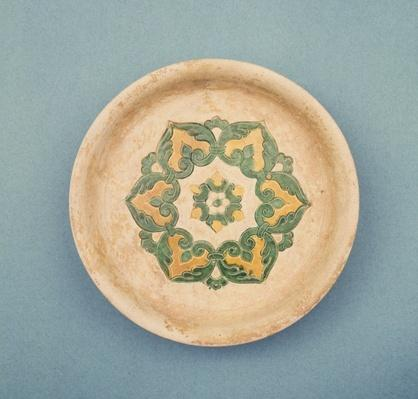 Chinese offering dish, with incised lines to prevent the colour running, T'ang Dynasty, 618-906 (earthenware)