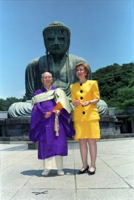 First Lady Hillary Clinton and The Great Buddha