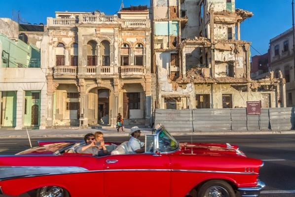 Striking a Balance Between New and Old in Havana - Video