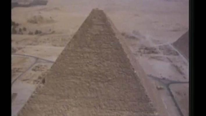 David Macaulay: Pyramids | Introduction