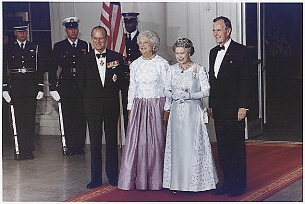President and Mrs. Bush host a State Dinner for Queen Elizabeth II