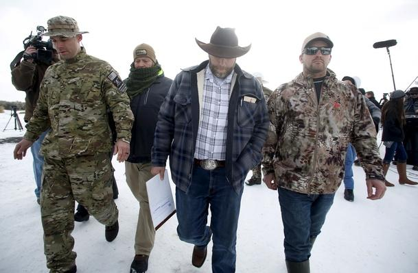 Armed Ranchers Occupy Oregon Wildlife Refuge in Protest – Video