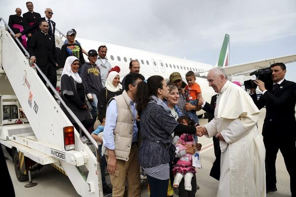 Pope Francis Brings 3 Syrian Refugee Families to Italy | PBS NewsHour