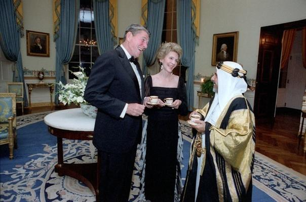 Reagans with the Amir of Bahrain