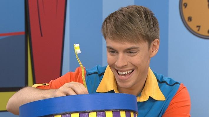 Brosse à dents | Le jeu du chapeau surprise